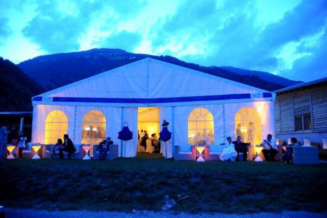 Matrimoni party tendoni per eventi tendsystem srl for Noleggio tendoni per feste udine